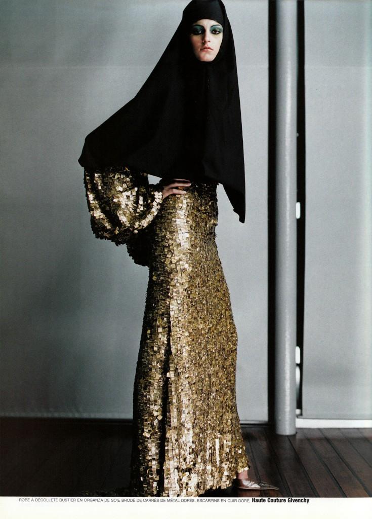 Couture-de-monde-by-ruven-afanador-vogue-paris-13-735x1024